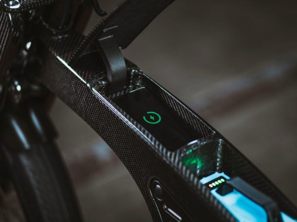 CrownCruiser smart ebike rocks a head-turning retro-futuristic design.